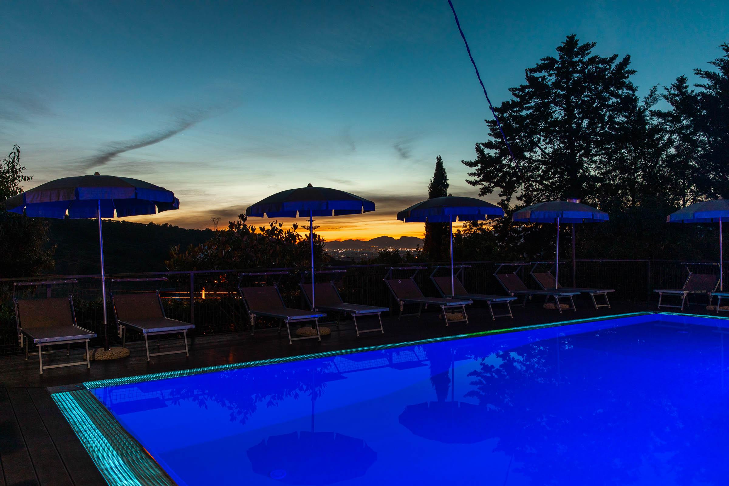 luci notturne piscina